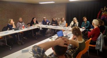Afbeelding behorende bij Theater over onzichtbare armoede | Theater AanZ maakte deze voorstelling voor de gemeente Rheden